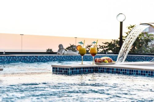 Los 10 mejores hoteles de lujo en ulcinj montenegro for Booking hoteles de lujo