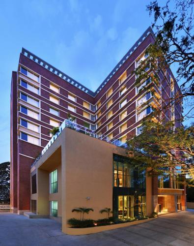 Los 10 mejores hoteles de lujo en bangalore india for Booking hoteles de lujo