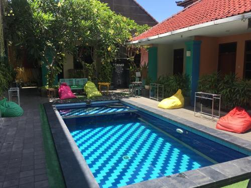 Los 10 mejores hostels en kuta indonesia for Terrace 8 residence kuta