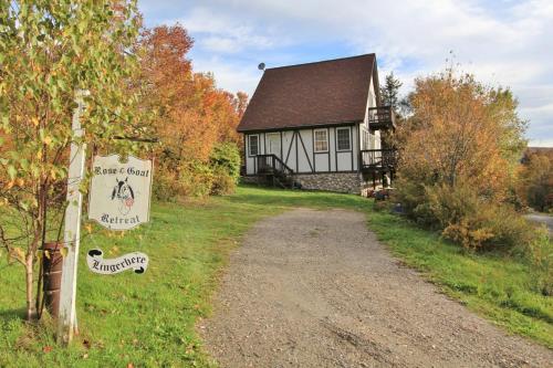 Berkshires Mountain Cottage