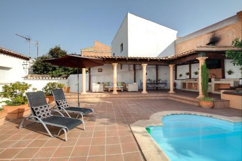 Mejores hoteles y hospedajes cerca de Serrato, España