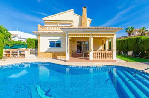 Booking.com: Hoteles en Badia Blava. ¡Reservá tu hotel ahora!