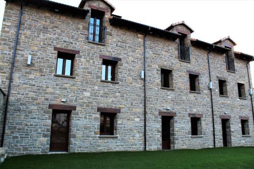Casas de campo Valle de Tena. 17 propiedades rurales en ...