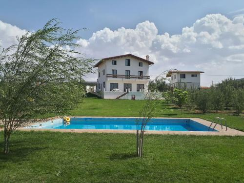 Villa SALAM (Marruecos Ifrane) - Booking.com