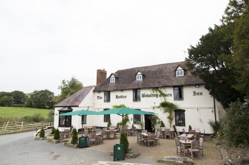 Hadley Bowling Green Inn