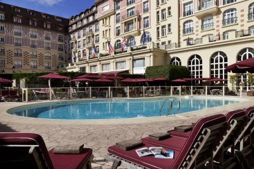 Los 10 mejores hoteles de 5 estrellas en Deauville, Francia ...
