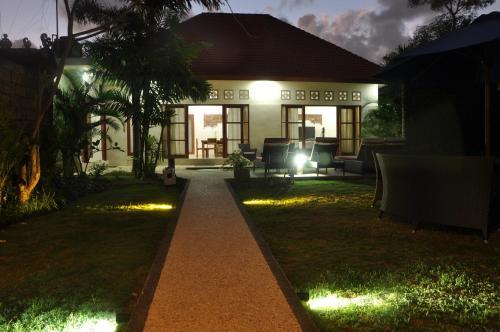 Villa Ayuni