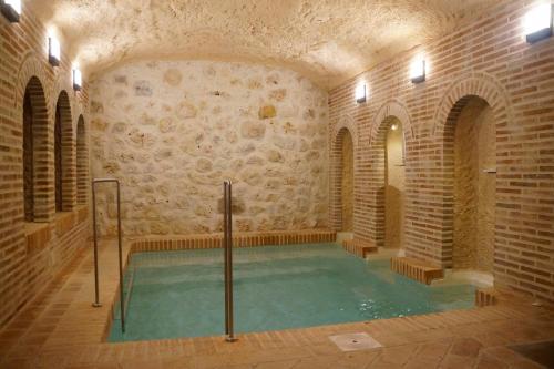 Booking.com: Hoteles en Hita. ¡Reservá tu hotel ahora!
