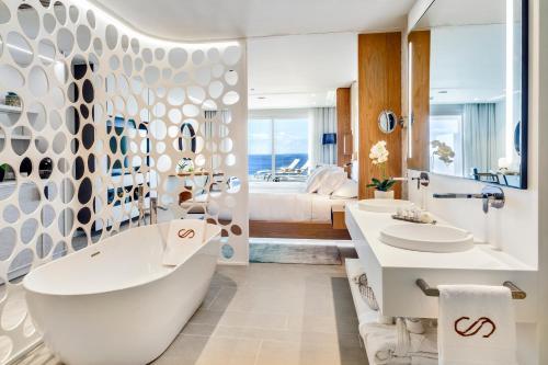 Los 10 mejores hoteles de playa en Adeje, España | Booking.com