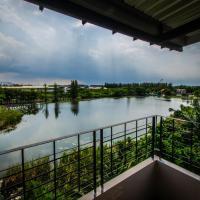 Na Siri Lake View