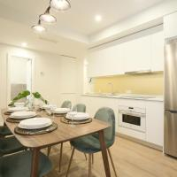 A Brand new Luxury- Muy Central- AC, up to 10