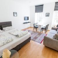 Central Apartment, 1 Min to Metro, free Garage