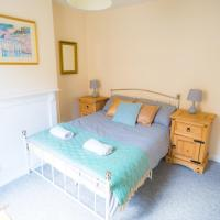 Bright Double Room in West Bath