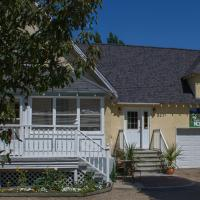 Genelle House B&B Guest House </h2 <div class=sr-card__item sr-card__item--badges <div style=padding: 2px 0  <div class=bui-review-score c-score bui-review-score--smaller <div class=bui-review-score__badge aria-label=Li han posat un 9,6 9,6 </div <div class=bui-review-score__content <div class=bui-review-score__title Excepcional </div </div </div   </div </div <div class=sr-card__item   data-ga-track=click data-ga-category=SR Card Click data-ga-action=Hotel location data-ga-label=book_window: 10 day(s)  <svg alt=Ubicació de l'allotjament class=bk-icon -iconset-geo_pin sr_svg__card_icon height=12 width=12<use xlink:href=#icon-iconset-geo_pin</use</svg <div class= sr-card__item__content   Genelle • A  <span 400 m </span  del centre </div </div </div <div class= sr-card__price sr-card__price--urgency m_sr_card__price_with_unit_name sr-card-color-constructive-dark  data-et-view=  OMOQcUFDCXSWAbDZAWe:1    <div class=m_sr_card__price_unit_name m_sr_card__price_small Habitació amb Llit Gran </div <div data-et-view=OMeRQWNdbLGMGcZUYaTTDPdVO:4</div <div data-et-view=OMeRQWNdbLGMGcZUYaTTDPdVO:6</div <div data-et-view=OMeRQWNdbLGMGcZUYaTTDPdVO:9</div    <div class=sr_price_wrap    data-et-view=      <span class=sr-card__price-cheapest  data-ga-track=click data-ga-category=SR Card Click data-ga-action=Hotel price data-ga-label=book_window: 10 day(s)   TL534 </span  </div       <div class=prd-taxes-and-fees-under-price  blockuid- charges-type-2 data-excl-charges-raw=26.71 data-cur-stage=2  + TL27 d'impostos i suplements  </div     <p class=urgency_price   <span class=sr_simple_card_price_from sr_simple_card_price_includes--text data-ga-track=click data-ga-category=SR Card Click data-ga-action=Hotel price persuasion data-ga-label=book_window: 10 day(s) data-et-view=   Només <span class=sr-card__item--strongens en queda 1</span! </span </p <div class=breakfast_included--constructive u-font-weight:bold Esmorzar inclòs </div </div </div </a </li <div data-et-view=cJaQWPWNEQEDSVWe:1<