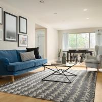 Bold Downtown Montréal Suites by Sonder
