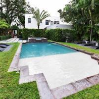 Villa Valentino - Charming, Historic Miami Cottage - 1BD/BA and Pool - Sleeps 2 - RMC100
