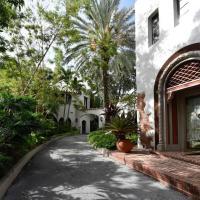 Villa Valentino - Charming, Historic Miami Cottage - 3BD/1BA and Pool - Sleeps 6 - RMC300