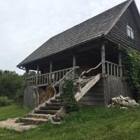 Puziniškio kaimas - medinis namelis