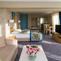 Плаза Хотел