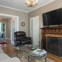Warm Cozy 1st Floor Apartment in Milford Close to Major Cities in Boston