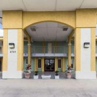 Econolodge Inn & Suites Downtown Northeast