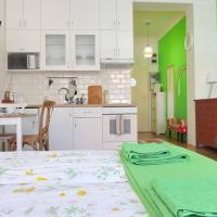 Green Lónyay Apartment