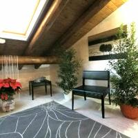 Casa Vacanze Le Barche </h2 <div class=sr-card__item sr-card__item--badges <div class= sr-card__badge sr-card__badge--class u-margin:0  data-ga-track=click data-ga-category=SR Card Click data-ga-action=Hotel rating data-ga-label=book_window: 10 day(s)  <span class=bh-quality-bars bh-quality-bars--small  data-et-click=customGoal:NAFQOeaLQeUYCSJabJNCRbQfXJOOIBBO:4  <svg class=bk-icon -iconset-square_rating fill=#FEBB02 height=16 width=16<use xlink:href=#icon-iconset-square_rating</use</svg<svg class=bk-icon -iconset-square_rating fill=#FEBB02 height=16 width=16<use xlink:href=#icon-iconset-square_rating</use</svg<svg class=bk-icon -iconset-square_rating fill=#FEBB02 height=16 width=16<use xlink:href=#icon-iconset-square_rating</use</svg </span </div   <div style=padding: 2px 0    </div </div <div class=c-unit-configuration  <div class=c-unit-configuration--dots c-unit-configuration--bolder 3 spavaće sobe • <span class=c-unit-configuration__item1 dnevna soba</span • <span class=c-unit-configuration__item6 kreveta</span </div </div <div class=bui-badge bui-badge--callout <spanSezonska ponuda</span </div <div class=sr-card__item   data-ga-track=click data-ga-category=SR Card Click data-ga-action=Hotel location data-ga-label=book_window: 10 day(s)  <svg class=bk-icon -iconset-geo_pin sr_svg__card_icon height=12 width=12<use xlink:href=#icon-iconset-geo_pin</use</svg <div class= sr-card__item__content   , Riposto •  od City Centre </div </div </div <div class= sr-card__price sr-card__price--urgency m_sr_card__price_with_unit_name  data-et-view=  OMOQcUFDCXSWAbDZAWe:1    <div class=m_sr_card__price_unit_name m_sr_card__price_small Apartman s 3 spavaće sobe </div <div data-et-view=OMeRQWNdbLGMGcZUYaTTDPdVO:6</div <div data-et-view=OMeRQWNdbLGMGcZUYaTTDPdVO:9</div    <div class=sr_price_wrap    data-et-view=      <span class=sr-card__price-cheapest  data-ga-track=click data-ga-category=SR Card Click data-ga-action=Hotel price data-ga-label=book_window: 10 day(s)   TL196 </spa