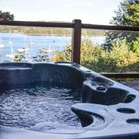 Gorgeous Grande Mansion in Ganges on Saltspring Island with Waterfront Hot Tub