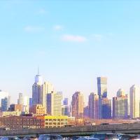 10 Minute Train to Downtown Manhattan New York City / 12 Minute Uber to Newark Airport