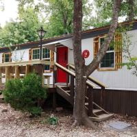Rustic 2 bdrm home Near Lake Bob Sandlin, All NEW