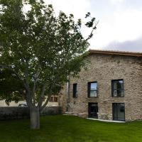 Casa Rural Irisarri (España Salinas de Ibargoiti) - Booking.com