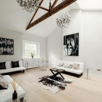 New Luxury Spacious Central Apartment