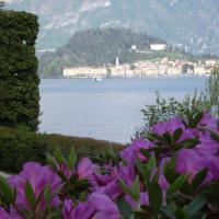 Charming Glicine and Azalea House Art and Colour with lakeview
