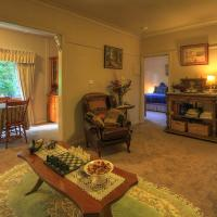 Hillview Oak B&B